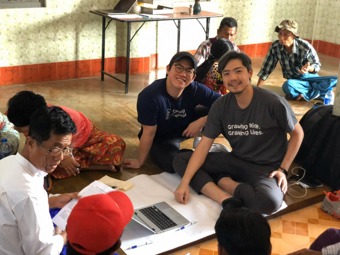 U Thet Oo (Program Manager, Mercy Corps) and team assisting Abel Tiong (Head of Relations, Daung Capital) and David Chen C.Y. (COO, Golden Sunland) to disburse loan to the farmers in Labutta